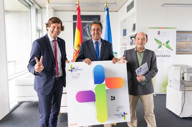 Ruiz-Capillas, Martín y Ruiz Revuelta tras la firma de los convenios (Foto: Irene Olmo)