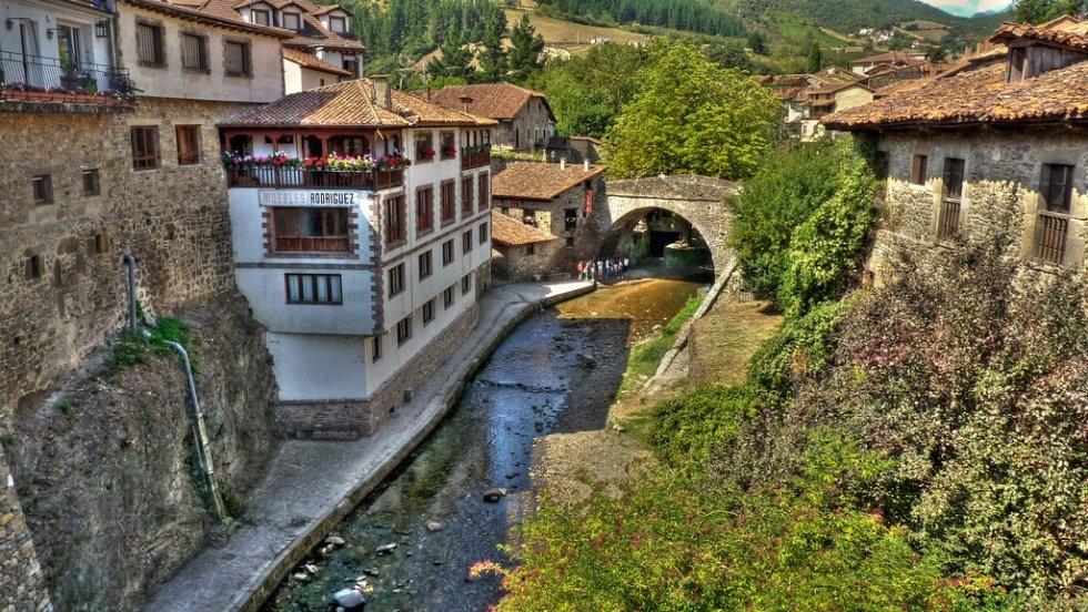 Potes Capital Del Turismo Rural 2020 Turismo De Cantabria Portal Oficial De Turismo De Cantabria Cantabria España